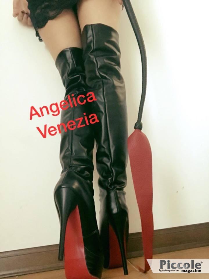 Mistress Angelica Venezia, l'insospettabile Padrona della porta accanto