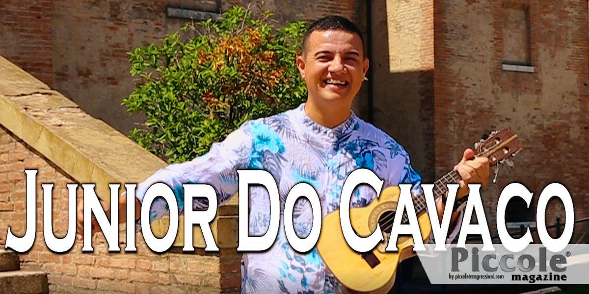 E' online la nuova hit di Junior Do Cavaco: E' Piccole