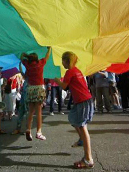 Bambini trans, così l'informazione e l'Italia calpestano i loro diritti