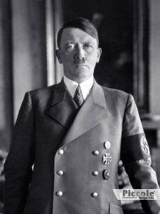 SATURNO nei segni di Fuoco e Acqua Hitler