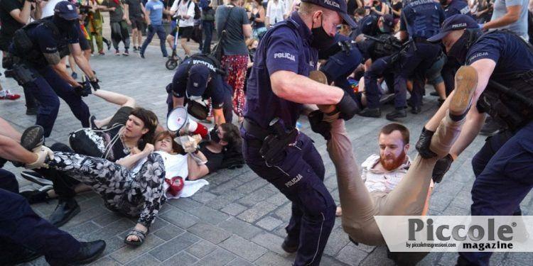 Polonia: proteste e arresti Lgbt+ dopo il Gay Pride