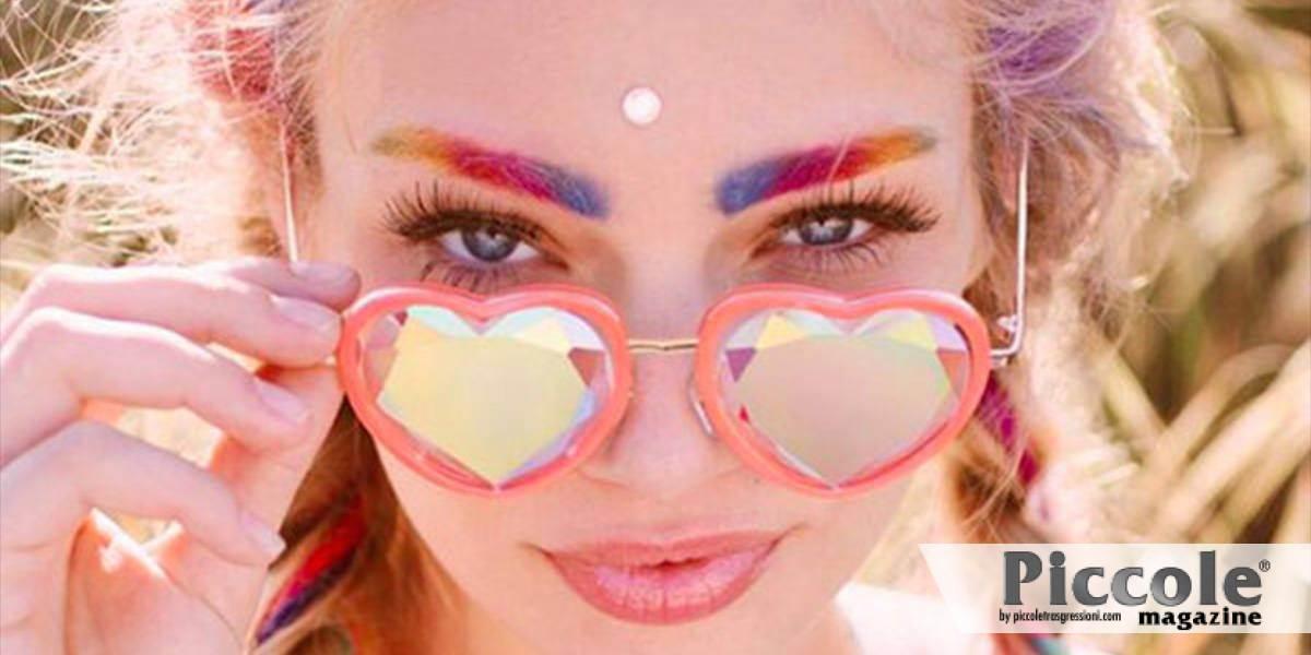 Beauty trendy: sopracciglia arcobaleno