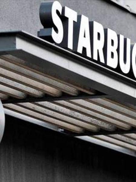 Starbucks e le convenzioni dipendenti Trans
